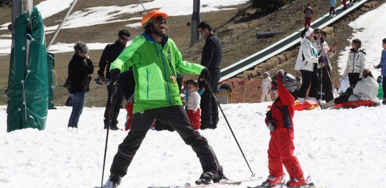Esquiar en família: les estacions han adaptat espais per als més petits